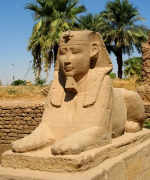 Memphis (now called Mit Rahina) has the second largest sphinx in Egypt.