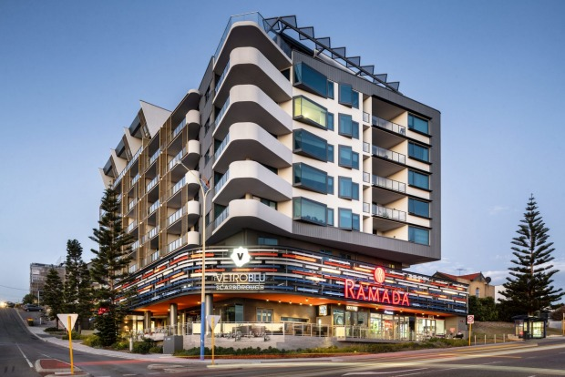 RAMADA VETROBLU SCARBOROUGH BEACH  Why stay in Perth's CBD when you could be gazing over the Indian Ocean? This ...