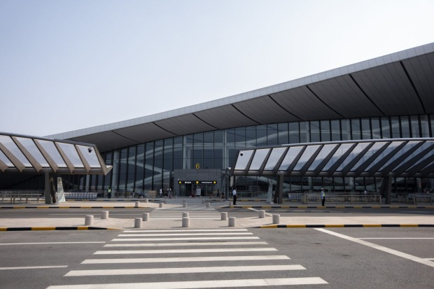 The world's largest building of a seamless steel structure, the airport has double-deck departure and double-deck ...