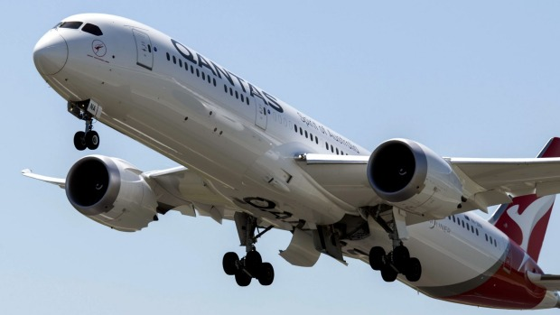 Grounded Qantas Dreamliners to take off for Antarctica