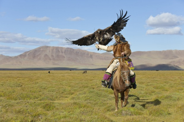 CATCH AN EAGLE  For centuries, the semi-nomadic Kazakhs populating Mongolia's westernmost province of Bayan-Ulgii have ...
