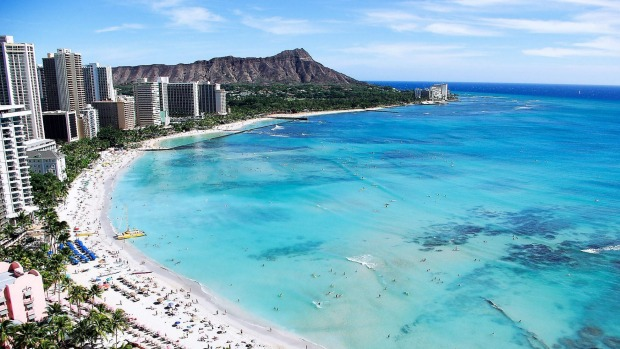 Waikiki Beach and Diamond Head, Honolulu, Hawaii.