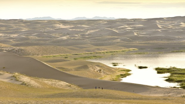 Sand dunes of Elsen-Tasarkhai, or Mongol Els, around Ereen Lake.
