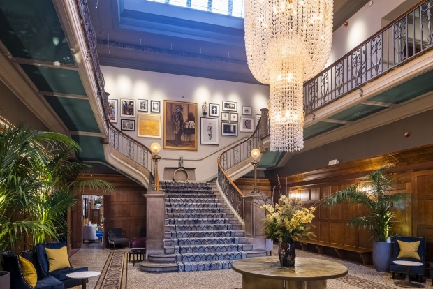 THE DIXON  A gorgeous lobby with restored Edwardian decor and colourful contemporary artwork welcomes you to this ...