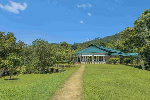 Mountbatten Bungalow Kandy 01 jpg tra13-sixbestSrilanka Txt by Elspeth Callender Images supplied by No Roads ...