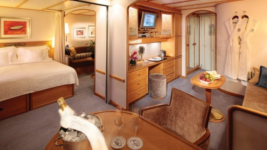 Commodore Suite on board SeaDream II.