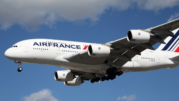 Airfrance Airbus A-380 lands at LAX.