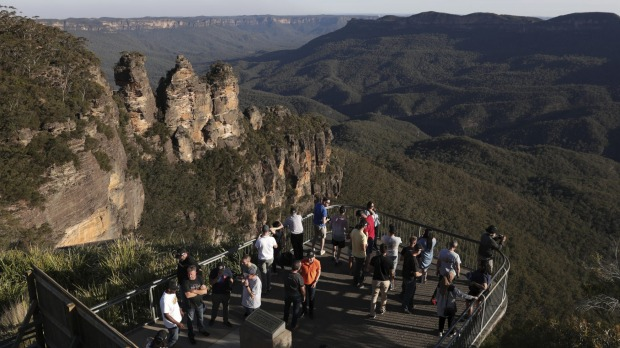 The Three Sisters seen from the Echo Point lookout near Katoomba in the Blue Mountains, NSW.