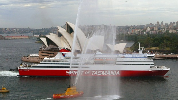 The Spirit of Tasmania III sails past the Sydney Opera House in 2004