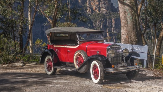 For a taste of Jay Gatsby's lifestyle for a few hours or a day, take a spin along the cliff-top roads with Blue ...