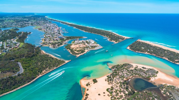 Lakes Entrance in Gippsland, a spectacular spot on the Melbourne-Sydney coastal route..