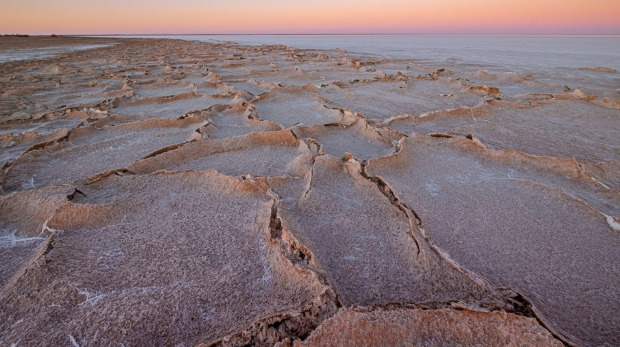 With a surface area of 9500 square kilometres, if Lake Eyre was filled with water it would be one of the largest lakes ...