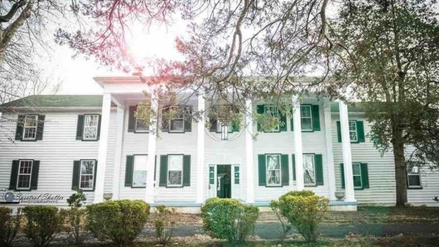 Linville Manor, Maryland : The perfect place to stay if you're into scary things.