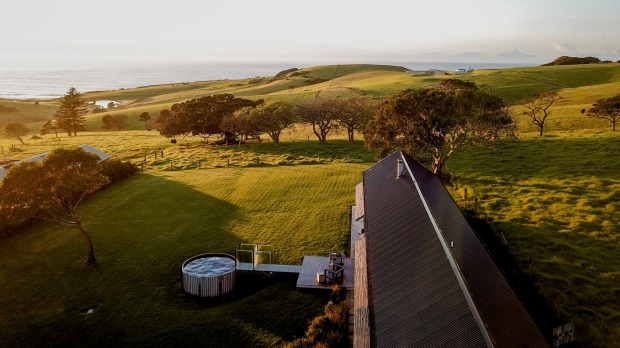 The Shed is a steel and glass retreat in Gerroa.