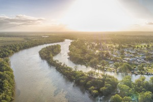 Wentworth marks the point where the Murray and Darling rivers meet.