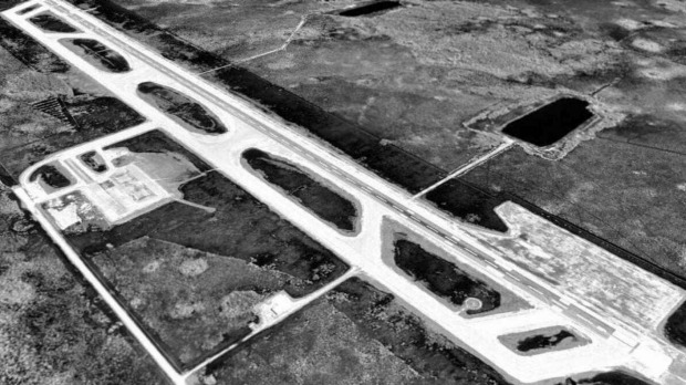 An aerial view of the runway in 1995.