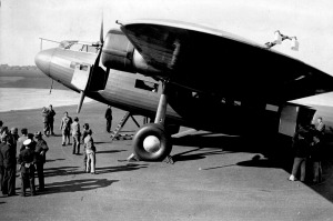 A 32-passenger Fokker plane in 1934, flown by the world's oldest airline that's still operating. But which airline is that?