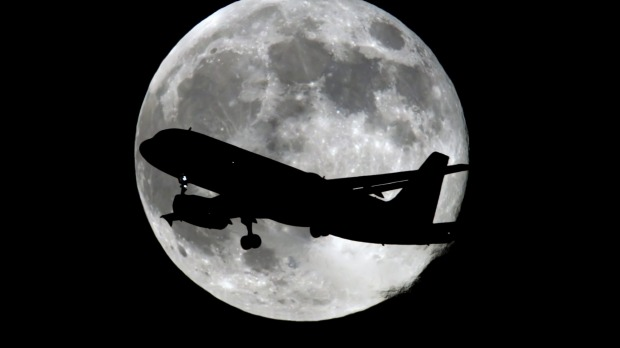 Qantas has announced a special flight over the Pacific to see this month's supermoon and lunar eclipse.