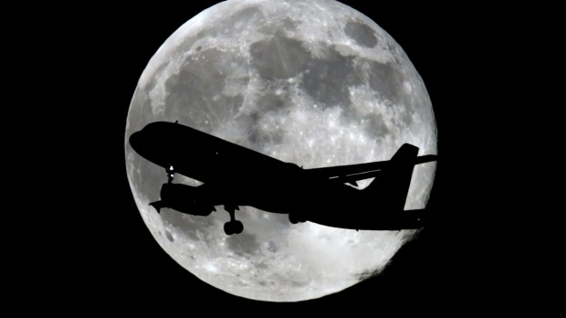 Fly me to the moon: Qantas launches supermoon, eclipse flight