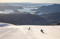 Motorhome travel to the ski slopes of the NZ Southern Alps.