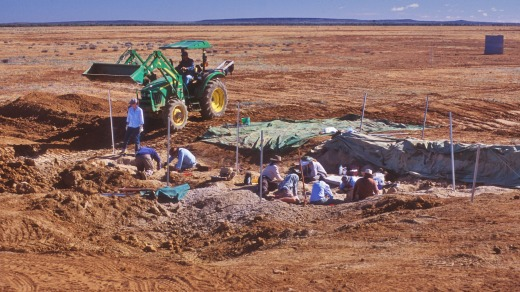 Participants excavating at the 2007 'Cooper' dinosaur dig site.