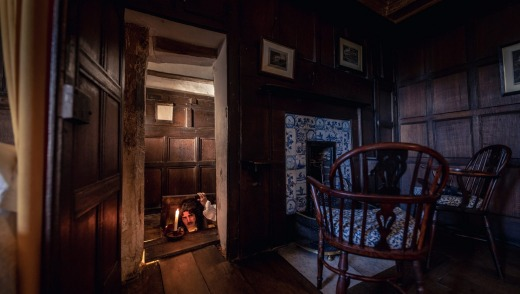 The priest hole at Boscobel House.