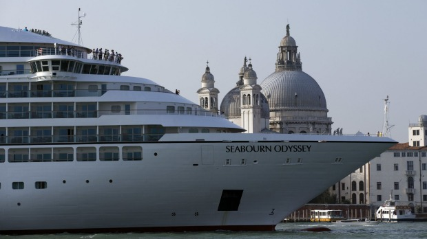 Cruise ships weighing more than 25,000 tonnes or more than 180 metres in length will be banned from sailing into Venice.