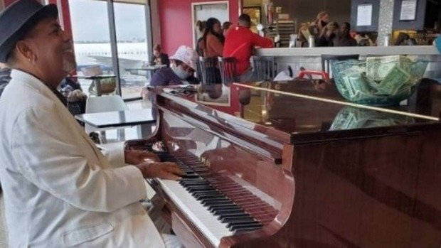 Atlanta airport pianist earns $83,000 in tips after video shared to Instagram