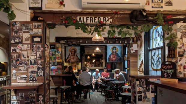 Oh Hey WA tours at  Alfred's Pizzeria, a grungy no-nonsense place open to midnight.