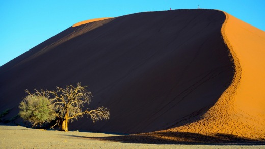 Sunset over the dunes of Sossusvlei is like a lengthy fireworks display where each moment reveals a new highlight.