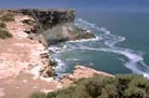 The cliffs of the Great Australian Bightlie 200 km to hte west from Fowlers Bay