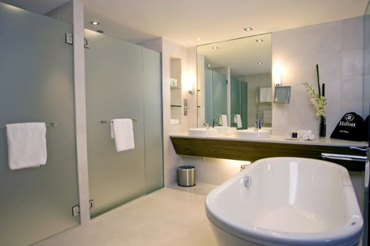 The Bathrooms Of King Hilton Hotel Suites