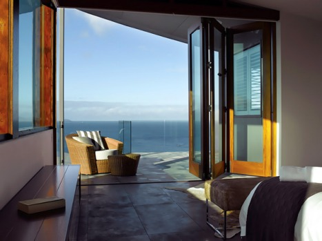 Ala Moana, Hamilton Island, Queensland. Push open this home's solid timber wooden door, slip on a kaftan and revel in ...