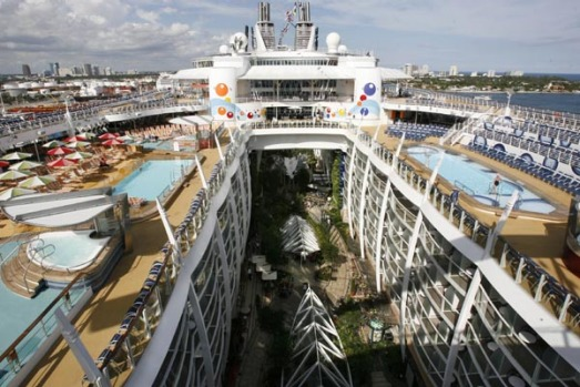 The world's largest and newest cruise ship, the Oasis of the Seas, will set sail on its maiden voyage in the Caribbean ...