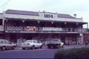 Former hotel (now shops), Murchison