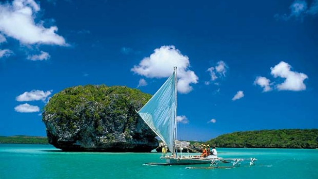 Adventure islands ... sailing in New Caledonia.