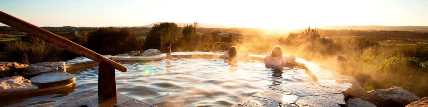Peninsula Hot Springs - Hilltop pool sunrise Victoria